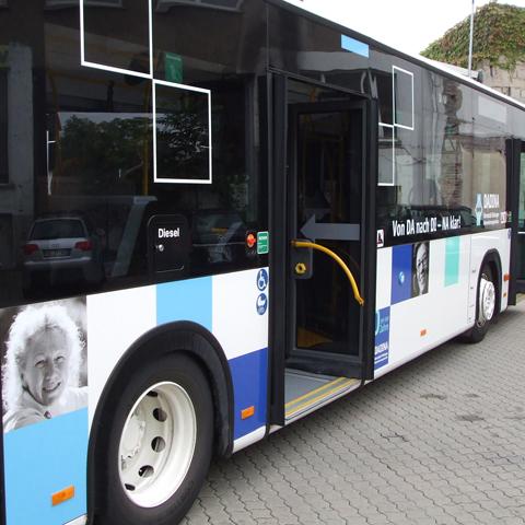 Dadina-Bus, einstiegen ...